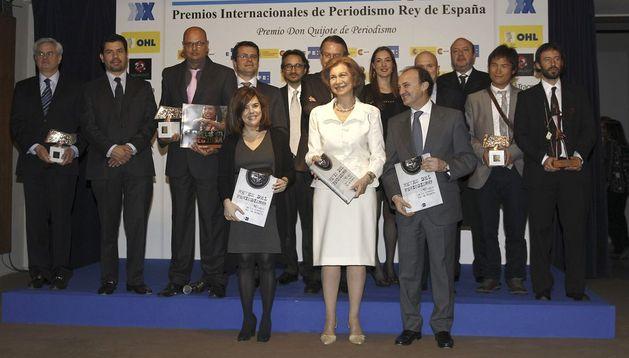 La Reina Sofía posa con los premiados