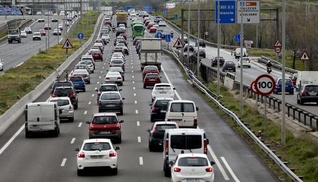 Estado de la carretera de Valencia (A-3) durante el primer día de la operación especial de Semana Santa