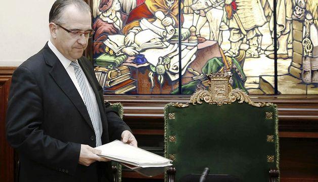 El alcalde de Pamplona, Enrique Maya, tras la votación de este viernes