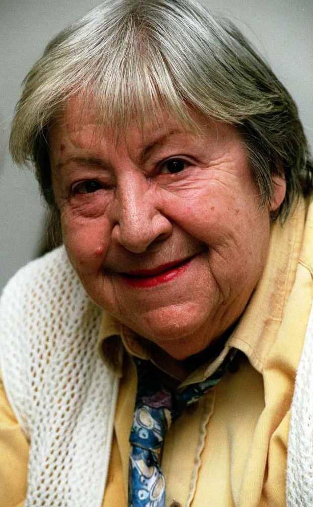 Fotografía de archivo (10-3-95) de la poetisa Gloria Fuertes