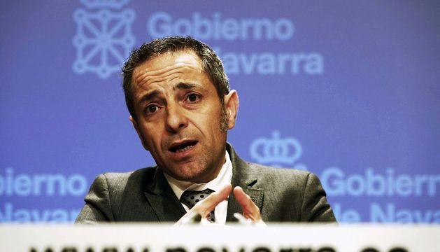 El consejero portavoz, Juan Luis Sánchez de Muniáin, durante la rueda de prensa de este miércoles