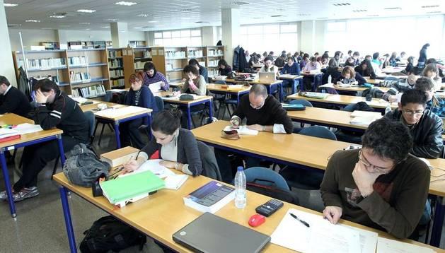 Usuarios de la biblioteca de UNED Pamplona