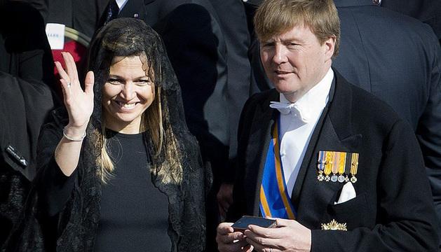 Los príncipes de Orange durante la ceremonia de entronización del para Francisco.