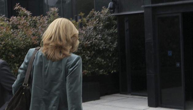 La infanta Cristina, a su llegada a la sede central de la Caixa en Barcelona.