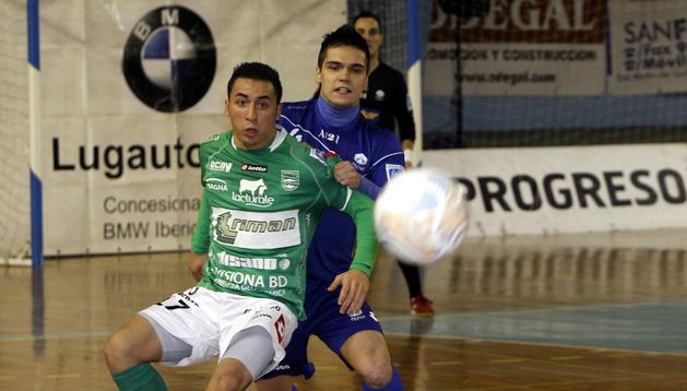 Imagen del partido de la primera vuelta entre Azkar Lugo y Triman Navarra