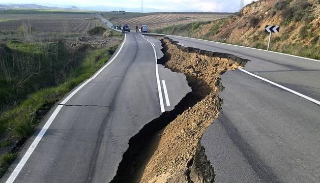 Desprendimiento en la carretera entre Miranda y Falces