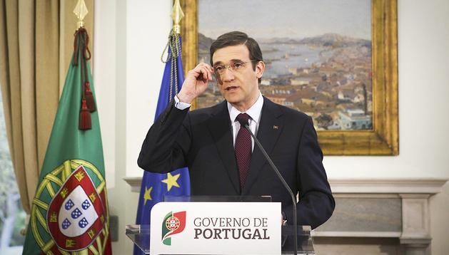 El primer ministro portugués, Passos Coelho, durante la rueda de prensa que ofreció tras el consejo de ministros extraordinario