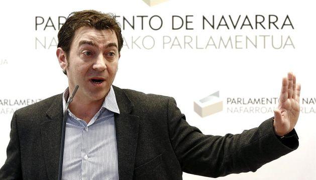 El parlamentario y portavoz de los socialistas navarros, Roberto Jiménez
