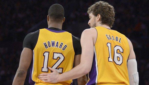 Dwight Howard y Pau Gasol, los encargados de hacer olvidar al lesionado Bryant en los Lakers