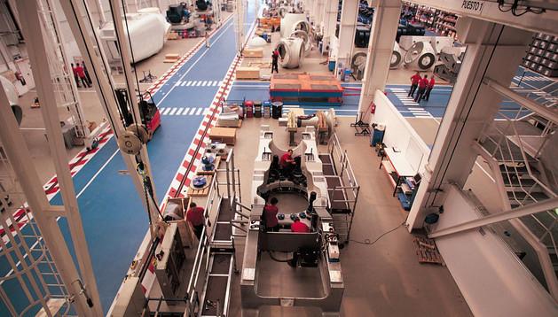 Vista de la factoría de ensamblaje de aerogeneradores de Acciona Windpower en Barasoain
