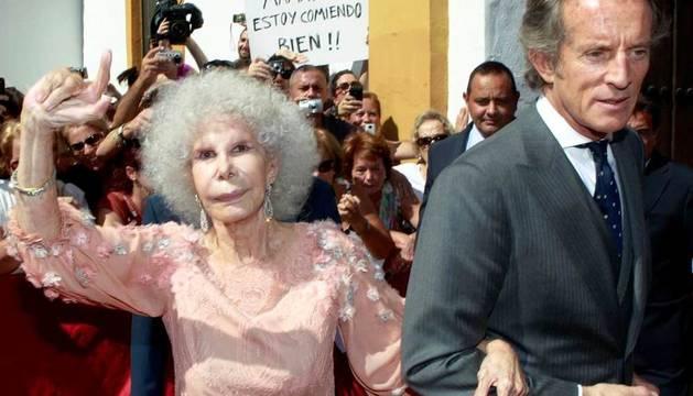 La duquesa de Alba y su marido, Alfonso Díez
