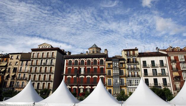 Imagen de la pasada Feria del Libro de Pamplona en la Plaza del Castillo