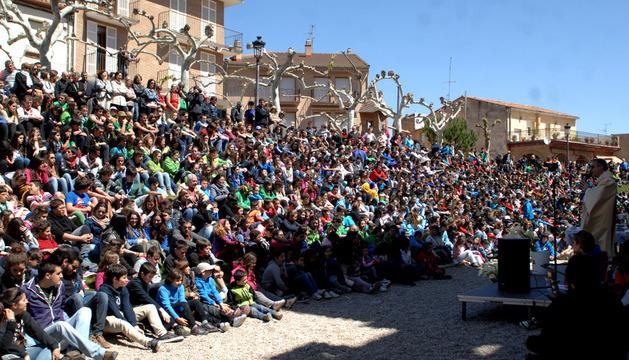 El Obispo Auxiliar de Pamplona, Juan Antonio Aznárez Cobo, ofició la eucaristía para 40 grupos de scout navarros, alaveses y vizcaínos.
