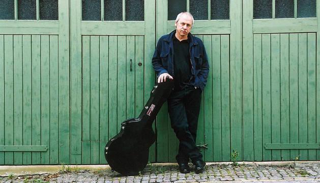 El artista escocés Mark Knopfler