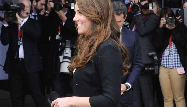 Catalina de Cambridge asiste a la inauguración de la apertura al público de los estudios de cine de Warner Bros