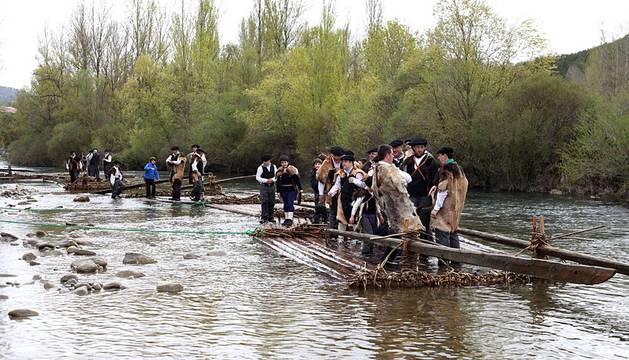 Burgui acogió como cada año desde 1992 su fiesta más tradicional, declarada Fiesta de Interés Turístico Nacional