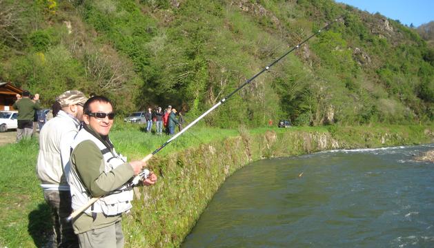 El 'Pozo de los 50', una franja emblemática del río Bidasoa para la pesca del salmón