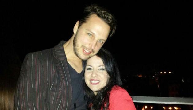 La fallecida Sara Francés Nicolay, junto a su novio, Jurian Stelter