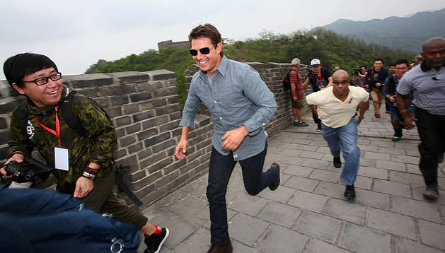 Tom Cruise corre por la Muralla China.