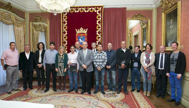 El alcalde de Pamplona, junto a los representantes municipales de la región colombiana de Boyacá