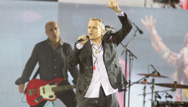 Miguel Bosé, en su actuación en el Zócalo.
