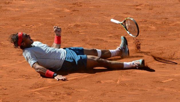 Nadal se tiró al suelo tras ganar la final del Mutua Madrid Open