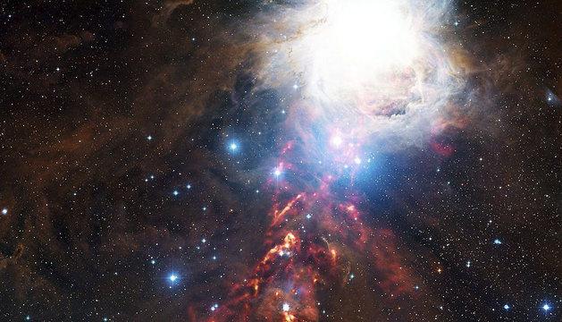 Vista de nubes cósmicas en la constelación de Orión.