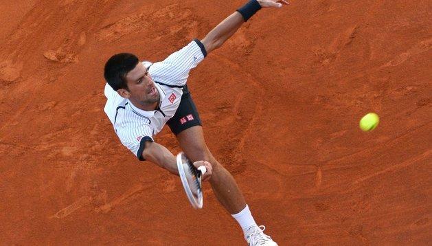 Novak Djokovic, jugando en Roma