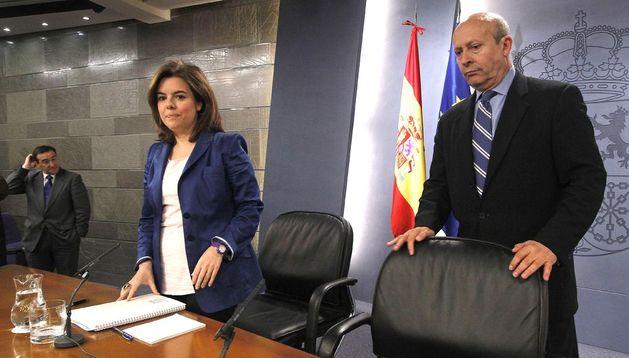 La vicepresidenta del Gobierno, Soraya Sáenz de Santamaría, y el ministro de Educación, Cultura y Deporte, José Ignacio Wert.