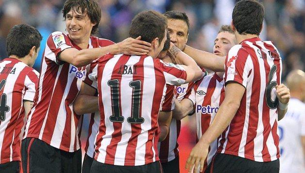 El Athletic celebra el gol de Ibai al Zaragoza
