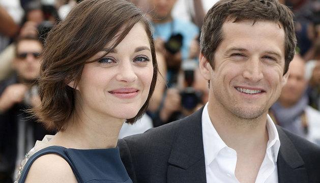 El director francés Guillaume Canet posa junto a la actriz Marion Cotillard.