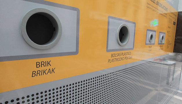 Máquina separadora de envases en Pamplona.
