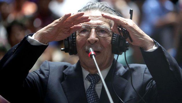 José Efraín Ríos Montt testifica en la Corte Suprema de Guatemala.