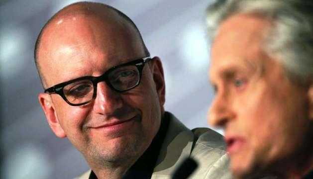 Steven Soderbergh y Michael Douglas, durante la rueda de prensa en Cannes para presentar