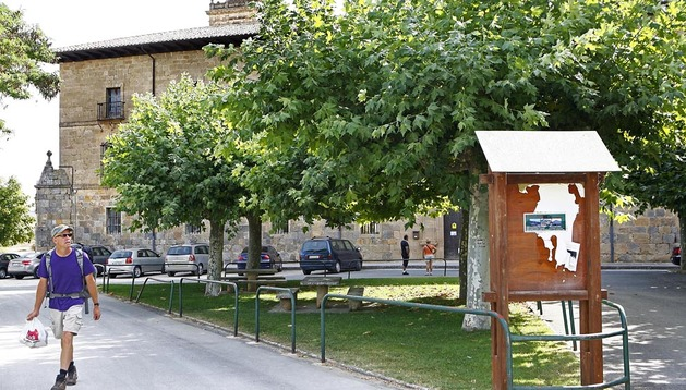El actual aspecto del exterior del monasterio está llamado a desaparecer con la construcción del parador, aunque Turismo aplaza la obra por la crisis