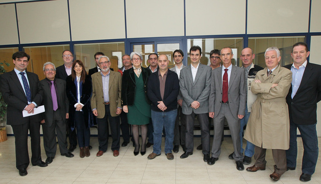 Visita a la cooperativa Muebles de Viana.