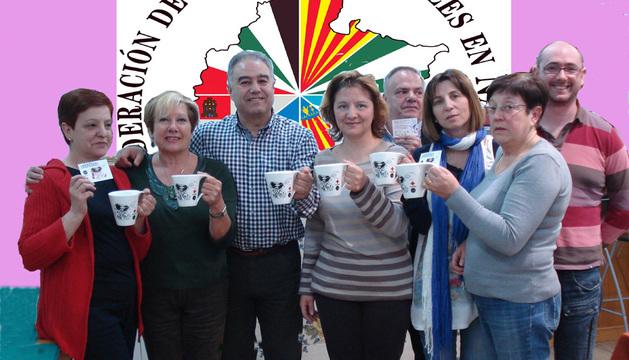 Miembros de la junta de la Federación de Casas Regionales en Navarra también muestran su apoyo