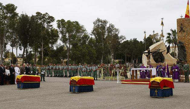 Los féretros de los tres suboficiales fallecidos en la Base de la Brigada de la Legión