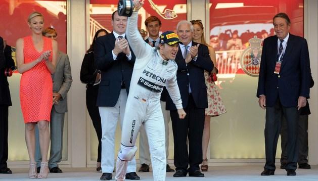 Nico Rosberg celebra su victoria en Mónaco