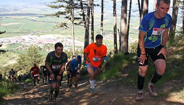 Joseba Larralda y Alizia Olazabal vencieron este domingo en el IV Trail San Cristóbal Ezkaba, tercera cita de la Copa Navarra de Carreras. Ambos se impusieron en la prueba larga de 25,7 kms, mientras que Daniel Martínez y Alaitz Blanco lograron la victoria en la corta, de 18 kms.