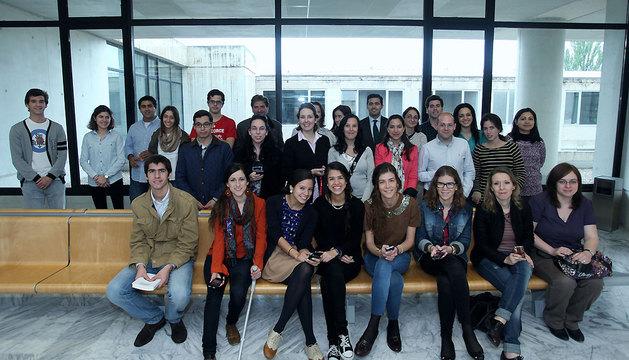 Alumnos y profesores de Comunicación de la UN, incluidos algunos de los tuiteros voluntarios.