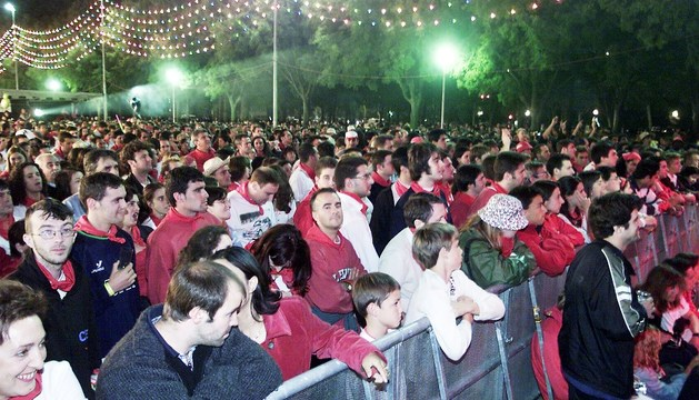 Público durante un concierto celebrado en Antoniutti durante San Fermín.