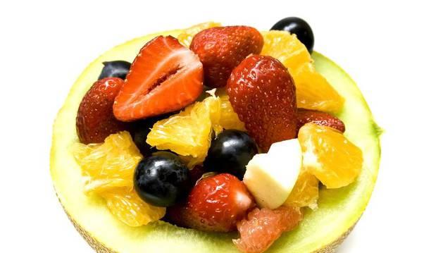 Comer cinco piezas de fruta, clave para vivir mejor.