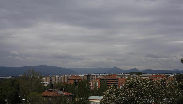 Cielos muy nubosos en la comarca de Pamplona