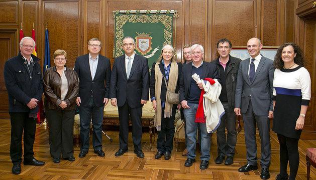 La delegación de Arras, con Enrique Maya.