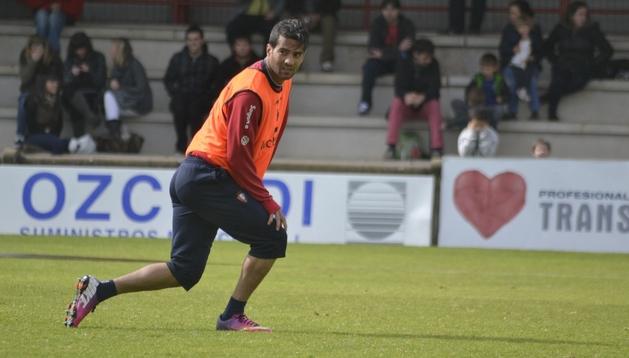 Masoud Shojaei, durante el entrenamiento de este miércoles. El iraní podría marcharse con su selección este jueves