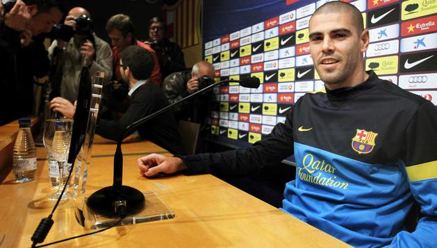 El portero titular del Barça, Víctor Valdés, durante la rueda de prensa que ofreció en el Camp Nou