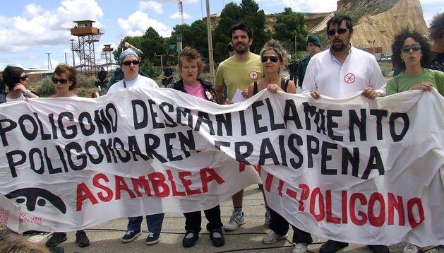 La Marcha por el Desmantelamiento del Polígono de Tiro de Bardenasde en 2012.