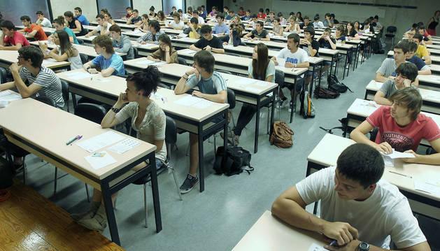 Asistentes a la prueba de Selectividad de 2012