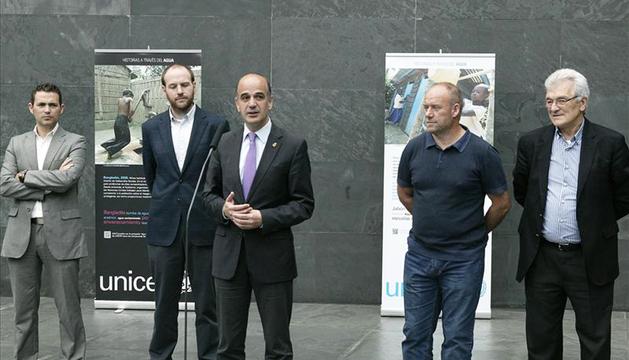 El presidente del Parlamento foral, Alberto Catalán, durante la inauguración de la muestra